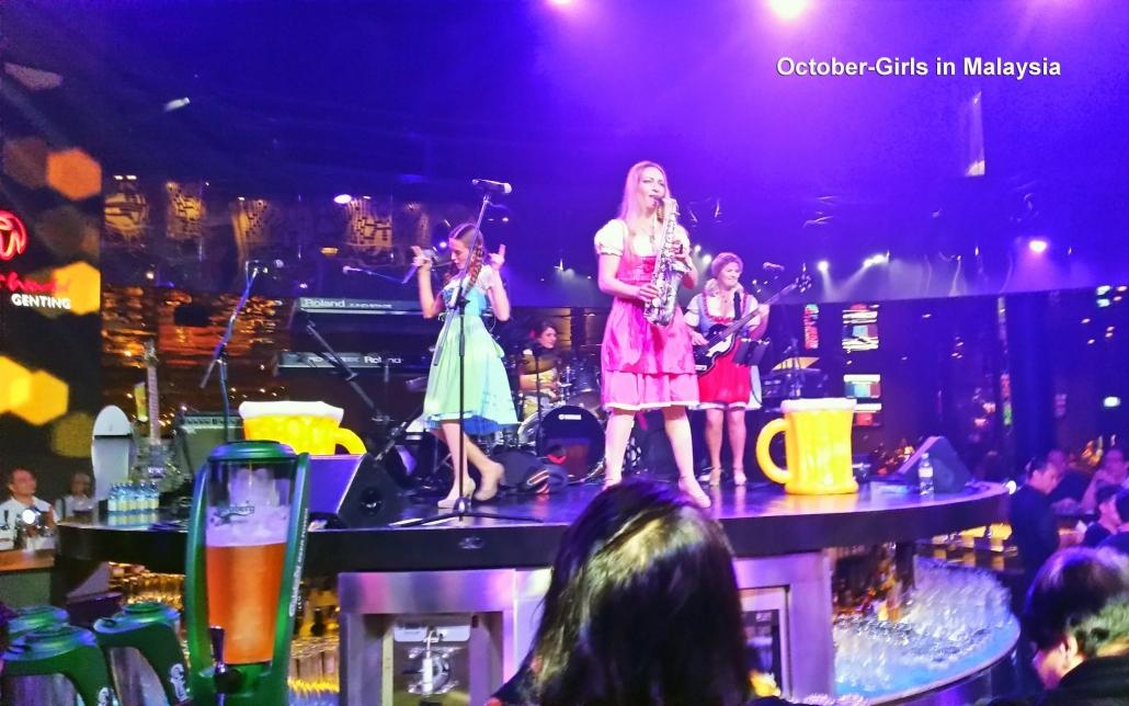 Oktoberfestband mit Livemusik von der Damenband October Girls von Uta Sophie Halbritter